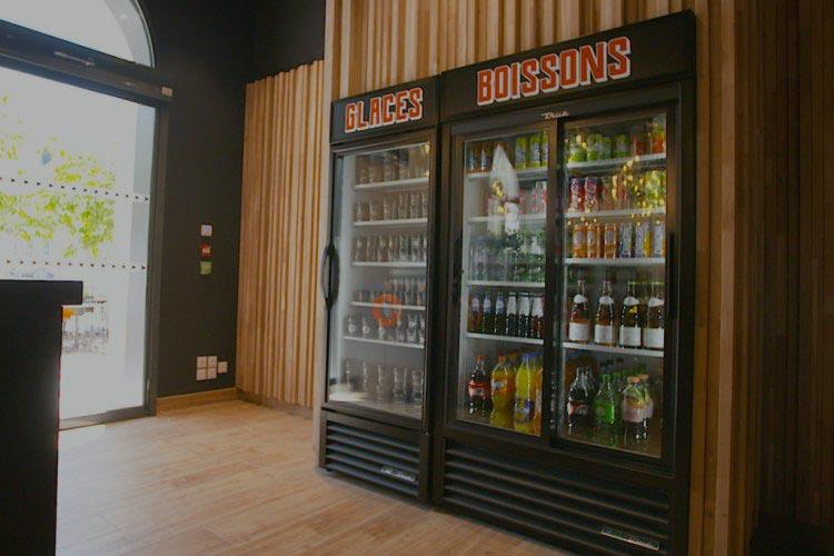 Nous avons dispatché notre gamme de produit frigorifique en fonction de votre métier. Arrière de bar pour les métiers de la restauration, machine  à glaçons pour les bars, chambre froide pour l'industrie et les commerces ou vitrine réfrigérée pour les traiteurs et boulangeries. Ces exemples  saurons vous guider dans le choix de votre achat.